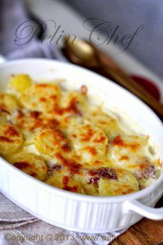 PelinChef: PASTIRMALI KREMALI PATATES Appetizer Salads, Appetizers, Turkish Recipes, Ethnic Recipes, Oven Dishes, Tea Time, Cauliflower, Macaroni And Cheese, Beverages