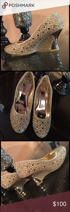"""Pinq Chiq  gold wedges. Very beautiful and show stopper embellished gold wedges. Heel 3.5"""". Comes with extra heel base. NWOT. pinq chiq Shoes Wedges"""
