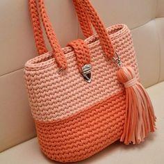 Free Crochet Bag, Crochet Purse Patterns, Crochet Tote, Crochet Handbags, Crochet Purses, Crochet Stitches, Knit Crochet, Handbag Patterns, Crochet Pattern