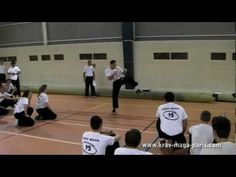 Shadow ceinture jaune Krav Maga, Coaching, Best Self Defense, Karate, Shadow Box, Videos, Basketball Court, Yellow Belt, Training