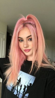 5 Pastel Pink Hair Color Ideas for 2019 : Take a look! – Cameron Mogensen 5 Pastel Pink Hair Color Ideas for 2019 : Take a look! Pastel Pink Hair, Hair Color Pink, Cool Hair Color, Girl With Pink Hair, Pink Haired Girl, Two Color Hair, Long Pink Hair, Peach Hair, Blue Hair Colors