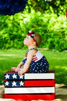 American flag crate diy pic idea with baby and kids fotoğraf 4th Of July Photography, Holiday Photography, Photography Props, Children Photography, Newborn Photography, Family Photography, Photography Studios, Makeup Photography, Outdoor Photography