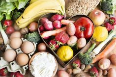 earn more about The Nutrient Power and the vital role nutrients play in the body. Healthy Fruits, Healthy Eating, Healthy Recipes, Sauteed Green Beans, Sour Foods, Fingerfood Party, Organic Vegetables, Food N, Fermented Foods