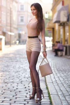 Women With Beautiful Legs, Beautiful Girl Image, Sexy Outfits, Cool Outfits, Fashion Outfits, Pernas Sexy, Girl Fashion, Womens Fashion, Hot Pants