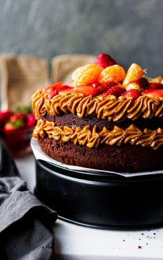 ALMOND & COCOA CAKE – Edenairs