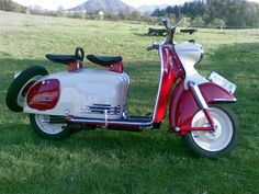 Waukis Puch 150 SR Bj.:1960 Puch Freunde Steyrtal Lambretta Scooter, Scooter Motorcycle, Vespa Scooters, Biker Boys, Vespa Girl, Alfa Romeo Cars, Bmw Series, Motor Scooters, Pedal Cars