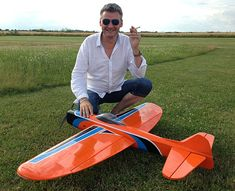Flying Lines Favorite Planes Stunt Plane, Rc Plane Plans, Cauliflowers, Model Airplanes, Radio Control, Gliders, Cl, Motors, Inventions
