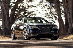 Novo Chrysler 300C chega ao Brasil - carros - lancamentos - Jornal do Carro