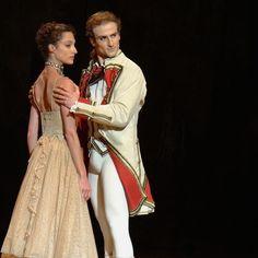 L'histoire de Manon avec la belle @dorotheegilbert et #FrancoisAlu dans Lescaut #VicomtedeValmont. Merci à Mathieu Rouaux danseur/photographe!