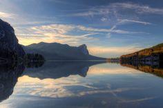 Der Mondsee Sagenumwoben zwischen Kalkalpen und Drachenwand (Oberösterreich) Foto: © Johann Hartl