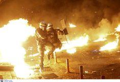 Δημιουργία - Επικοινωνία: Σκηνικό πολέμου στη Θεσσαλονίκη - Αστυνομικός σώζε... Gillet, Concert, Photos, Pictures, Concerts