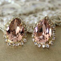 ♥♥ Such a gorgeous colour a pink. Loving the subtle sparkle. --KP