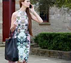 I have the same dress from Zara...i lovehow she matched the Celine bag with it