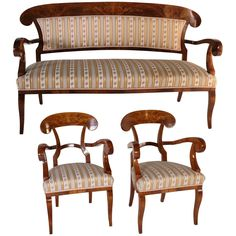 Elegant set consisting of a sofa and two armchairs in Biedermeier style. Refined carving on the back. Modern Armchair, Modern Chairs, Furniture Styles, Cool Furniture, Biedermeier Sofa, Wooden Sofa Set Designs, Wood Sofa, Sofa Styling, Sofa Shop