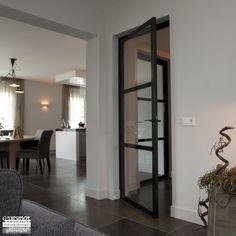 Enkele deuren van glas en staal in Ederveen | G. de Rooy Stalen binnendeuren Doors Interior, Home And Living, House Interior, Home Living Room, Dream Decor, Home, Small Bedroom Layout, Home Deco, Home Decor