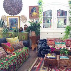 My boho abode.. look at that Suzani, just look at it ❤