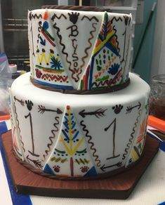 Hand painted tee pees for a #1 birthday Create A Cake, Thing 1, Party Cakes, Hand Painted, Birthday, Desserts, How To Make, Wedding, Painting