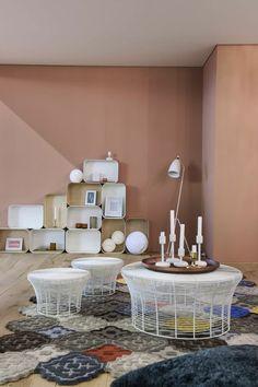 Gan Rugs Hidra & Gan Rugs Aram Tables. Habitare-tunnelmaa Plaza koti- lehden osastolta. Suunnittelu on Suvi-Maria Silvolan käsialaa. Matot Catalinasta.