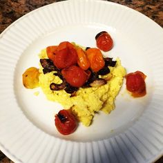 Eggs caramelized onions - This is a great breakfast if you want something sweet but savory at the same time this recipe has it all with your caramelized onions to your awesome summer tomatoes.