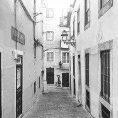 #igersportugal #portugalcomefeitos #portugaldenorteasul #igerslisboa #blackandwhite #blackandwhiteisworththefight #streetphotography #streetdreamsmag #shootermag #agameoftones #artofvisuals #justgoshoot #sogshootweek #citykillerz #preguicamagazine #oh_mag #faded_world #p3top #gerador #shooters_pt #pretoebranco #blancoynegro #monochrome #bnw_rose #bnw_planet #bnw_life #bnwmood #flair_bw #royalsnappingartists #world_bnw by therealstormlx