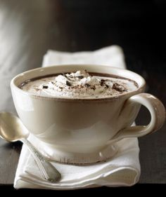 This peanut butter hot chocolate recipe is one of the best hot chocolate recipes you& ever find. Hot, rich and creamy, this is the perfect drink for those cold winter nights by the fire. If you love chocolate peanut butter fudge recipes, you& love this. Peanut Butter Hot Chocolate Recipe, Best Hot Chocolate Recipes, Hot Cocoa Recipe, Cocoa Recipes, Homemade Hot Chocolate, Creamy Peanut Butter, Fudge Recipes, Chocolate Party, Chocolate Mugs