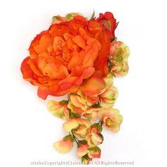 取扱い終了/髪飾り・ヘッドドレス/毬芍薬のヘッドコサージュ(オレンジ) - ウェディングヘッドドレス&花髪飾りairaka