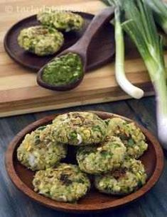 These scrumptious Moong Sprouts and Spring Onion Tikkis are made with fibre and iron-rich moong sprouts bound together by oats flour, which contains betaglucan, a unique type of soluble fibre that helps control blood sugar. Sprout Recipes, Veg Recipes, Indian Food Recipes, Vegetarian Recipes, Cooking Recipes, Healthy Recipes, Recipies, Pakora Recipes, Cutlets Recipes