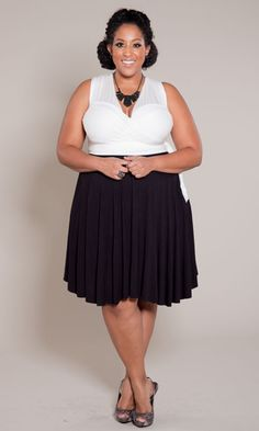 From formal wear to the beach, this one plus size dress can take you from day to night and back again… All depending on how you wrap it! With endless amount of wrapping possibilities, this indispensable dress will complete your closet.