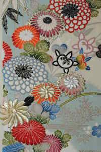 vintage kimono fabric with a resemblance to millifiori. Japanese Textiles, Japanese Patterns, Japanese Fabric, Japanese Prints, Fabric Patterns, Print Patterns, Flower Art, Art Flowers, Retro Fabric