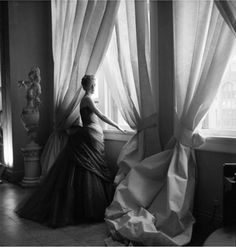 Nancy James in Charles James Swan Gown, 1955 Photo By Cecil Beaton, courtesy of The Metropolitan Museum of Art