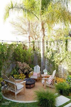 Attractive Small Patio Garden Design Ideas For Your Backyard 20 Small Patio Design, Backyard Garden Design, Small Backyard Landscaping, Backyard Ideas, Landscaping Ideas, Patio Ideas, Garden Ideas, Backyard Decorations, Firepit Ideas