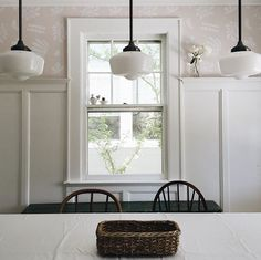 flora wallpaper + school house vintage pendants - All For Decoration Kitchen Lighting Design, Interior Lighting, House Lighting, Lighting Ideas, Cabinet Lighting, Flora, Indoor Outdoor Living, Home Look, Decorating Your Home