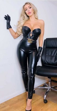 Bustiers, Black Leather Gloves, Leather Pants, Vinyl Leggings, Gloves Fashion, Latex Fashion, Women's Fashion, Leder Outfits, Tankini Swimsuits For Women
