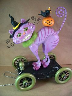 Witch Cat Pull Toy by thesnippets. Polymer Clay Halloween, Polymer Clay Ornaments, Polymer Clay Figures, Polymer Clay Creations, Polymer Clay Crafts, Halloween Crafts, Haunted Halloween, Halloween Table, Halloween Signs