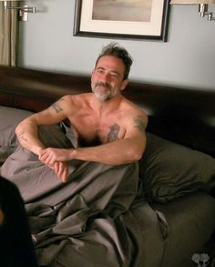 From THE GOOD WIFE. Loved the scene of them hanging out in Alicia's bed all day.