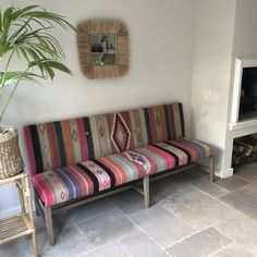 Bench upholstered with vintage kilim rug. Diy Couch, Upholstered Bench, Boho Diy, Interior Design Inspiration, Decorative Objects, Kilim Rugs, Kurtis, Dining Area, Home And Garden