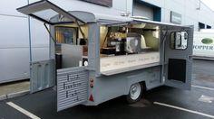Mobile woodfire pizza oven, mobile pizza oven, pizza van conersion, pizza t Catering Van, Catering Trailer, Food Trailer, Trailer Plans, Food Cart Business, Street Food Business, Mobile Food Cart, Mobile Food Trucks, Food Cart Design