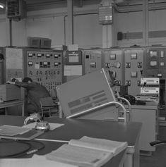 #WissenSieMehr über diese Reportage aus dem CERN in Genf (1964)? Kennen Sie eines der Geräte, Arbeitsprozesse oder Menschen, die auf den Fotos zu sehen sind? #MehrWissen #Blog #CERN #Switzerland Reportage, Blog, Music Instruments, Photos, Physicist, Geneva, People, Musical Instruments