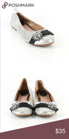 019e88e9d Fossil Size 9 1/2bFlats Description Ballerina flat Silver Metallic detail  Embellished details Measurements Size 9 1/2 Sizing chart Condition This  item is ...