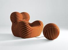 The Up series of anthropomorphic seats, among which the Up 5_6 is world renown, came about in 1969 through the collaboration of C&B Italia (the company from which B&B Italia evolved) and Gaetano Pesce…