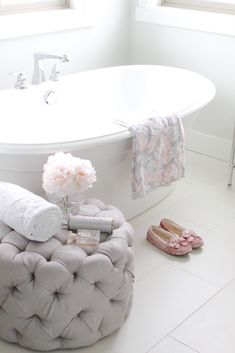 How To Create The Perfect Bath Experience At Home