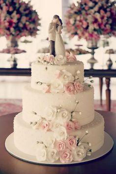 Saiba quais os 7 bolos decorados com pasta americana mais irresistíveis! Mais