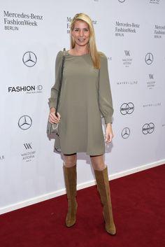 Pin for Later: Die Stars besiedeln Berlin bei der Fashion Week Giulia Siegel bei…