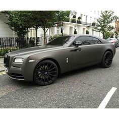 on in London spotted by by forgiato Rolls Royce Wraith, Top Luxury Cars, Love Car, My Ride, Luxury Life, Motor Car, Cool Cars, Jeep, Automobile