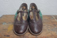 368a798ca0f09 Vintage 1970s MaryJane TBar Shoes StartRite at TinCupVintage, £25.50 Brown School  Shoes, T