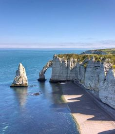Tour North of France: Étretat, Normandy Places Around The World, Oh The Places You'll Go, Places To Travel, Places To Visit, Around The Worlds, Etretat Normandie, Normandie France, Wonderful Places, Great Places