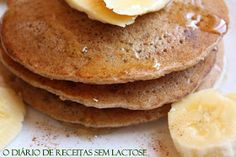 Oi, Pessoal! Semana passada publiquei na Fan Page o link da receita de panquecas de maçã, aveia e mel que preparei para o blog em 2011...