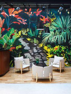 Argentina, Buenos Aires • hotel Splendido murales dipinto a mano, della considerevole dimensione di 10 metri, dell'artista Eloísa Ballivian.