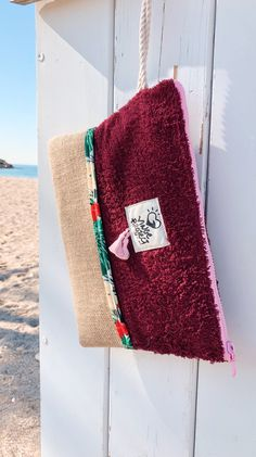 A waterproof clutch bag is always your summer best friend for the beach Favorite Color, Your Favorite, Getting Wet, Summer Beach, Cosmetic Bag, Clutch Bag, Compliments, Things To Think About, Vibrant Colors