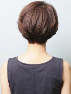 大人ショート「ミスティーク×ヌケ感」 | 青山・表参道の美容室 _TREEのヘアスタイル | Rasysa(らしさ)